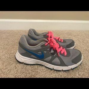 Nike shoes—Women's Size 6